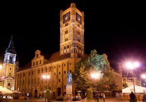 Ratusz w Toruniu, zwiedź go z przewodnikiem
