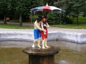 zobacz fontannę Jasia i Małgosi z przewodnikiem